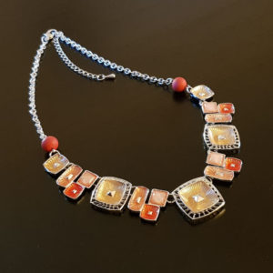 Collier fantaisie perles oranges depolies verre de Murano